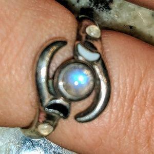 Lunar phases ring